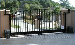 1000 images about fence gate ideas on pinterest sliding for Building a sliding gate for a driveway