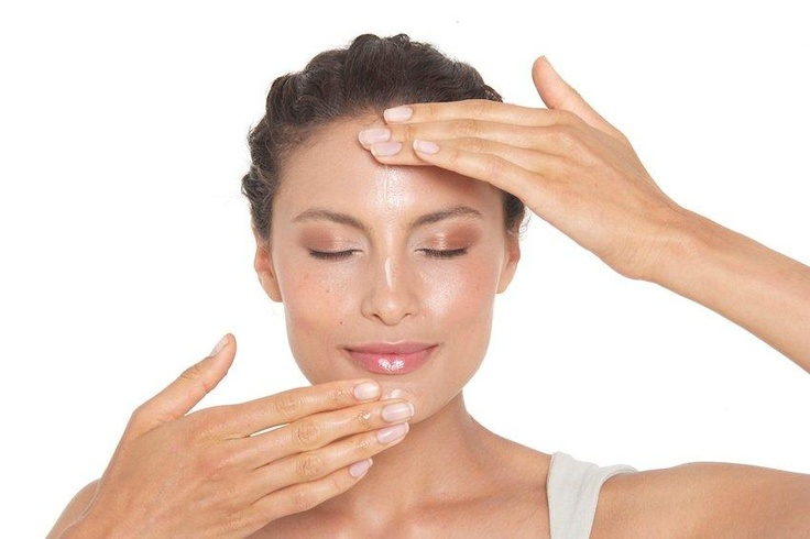 A 2-3 minute daily facial massage can significantly improve the overall condition of your skin! http://www.shzen.co.za/face_facial_massage.php