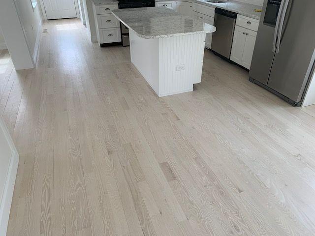 2 25 Red Oak Refinish White Pickle Stain Flooring Red Oak Red Oak Hardwood Floors
