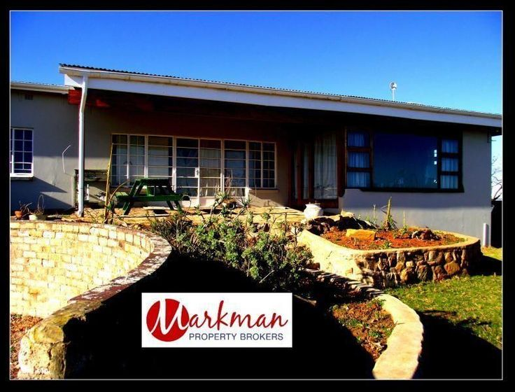R 5,950,000 A mere 7km away from Grahamstown's CBD, this neat little farm lies 2km's off the N2 with Kenton-on-Sea, Kasouga, and Port Alfred beaches nearby. The 140 Ha property would be an ideal purchase for investors in the hospitality industry.