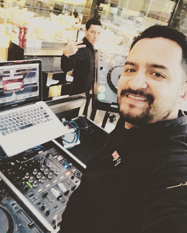 Listo en la oficina!! @upperside81st #tagsta #tagstagramers #funky #jackin #housemusic #afterhoursmusic #beatport #classichouse #instadj #bristol #grime #wretch32 #ukgrime #djing #pioneerdj #promo #promote #recordingartist #singersongwriter #singing #vocals #producers #lyrics #beats #beat #beatmaking #beatmaker #dance #picoftheday #wednsday