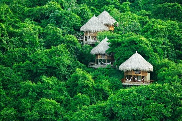 In the Tayrona park, you can find this type of bungalows  inspired in the houses of the indigenous tribes, they are called the Ecohabs and it is the best authentic way of enjoying your stay in Santa Marta.