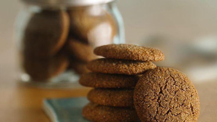 Vous aimez vos biscuits tendres et moelleux ?  La plupart des biscuits de pain d'épice sont durs et croquants. Nous avons donc élaboré cette recette afin de vous proposer les biscuits de pain d'épice les plus délicieux, tendres et moelleux de tous les temps.