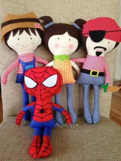 Dolls                                                                                                                                                                                 Mais