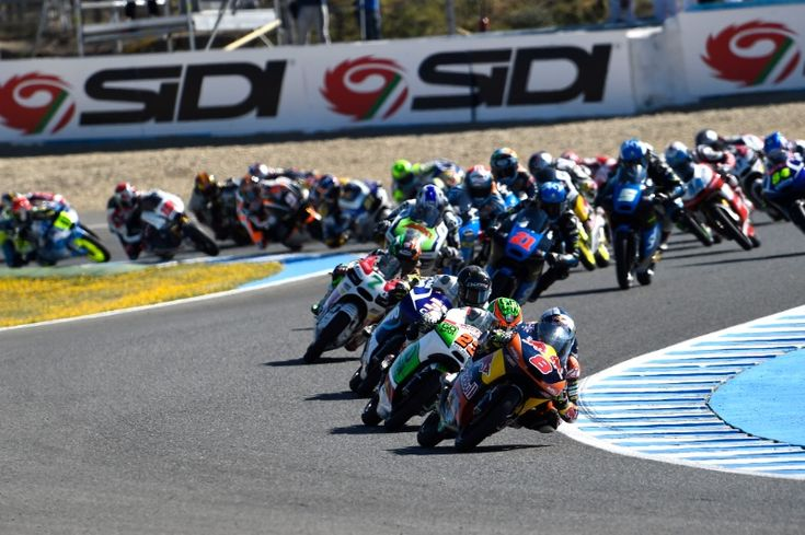 Miller, 1st lap, Spanish Moto3 Race 2014