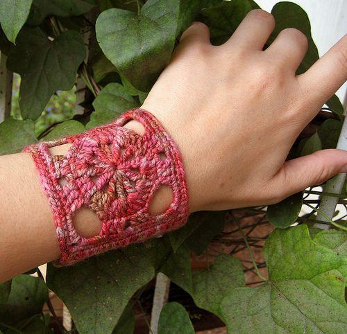 Crochet Cuff // Free pattern  -  http://mercedesknits.com/2012/01/24/resurrected-free-pattern-spokes-crochet-cuff/
