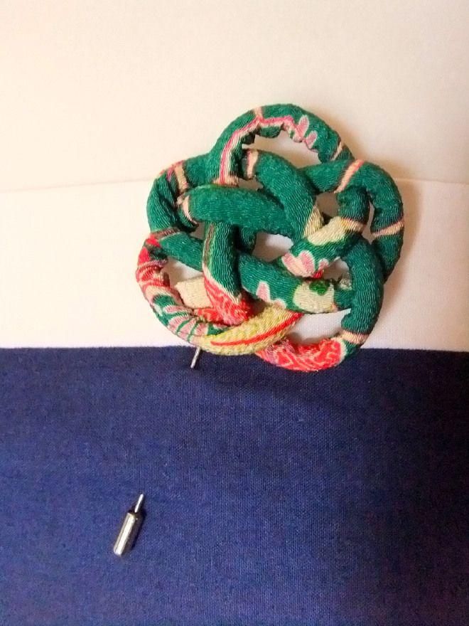 Kurumi Brooch/ Collezione KURUMI. Spille in tessuto giapponese