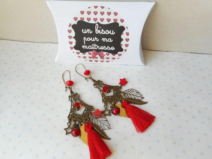 """Boucles d'oreilles vintage + boite cadeau """"un bisou pour ma maitresse"""", bronze, perle rouge, breloques feuilles, étoiles, : Boucles d'oreille par miss-coopecoll"""
