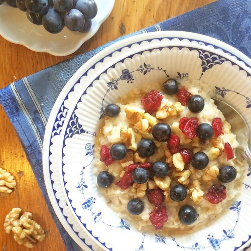Morning Oats with Concord Grapes, Walnuts, and Dried Cranberries | Add flavor, color, and good nutrition to your family's morning bowl of oatmeal by topping with Concord grapes, walnuts, and dried cranberries | Via Amazing @MealMakeoverMom