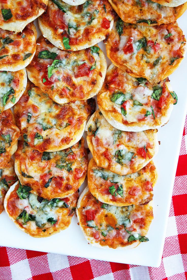 Make Your Own Mini Pizzas. Click image for recipe.
