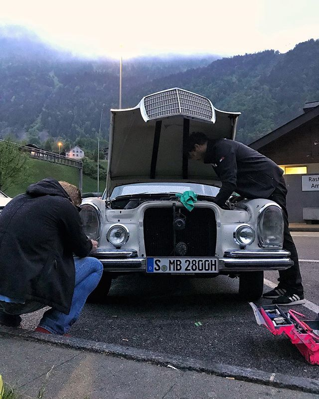 fuel filter replacement  good thing @mercedesbenzmuseum and @der_landgraf  came prepared  #mbmille #millemiglia2018 #roadtrip #w108 #cargram