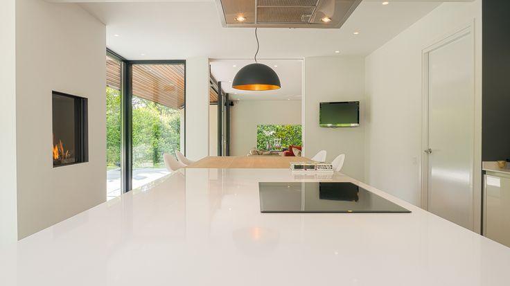 17 beste idee u00ebn over Glazen Plafond op Pinterest   Lichte keukens, Restaurant ontwerp en Open