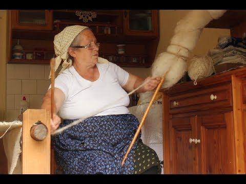 Wool Spinning Chunky Yarn – YouTube