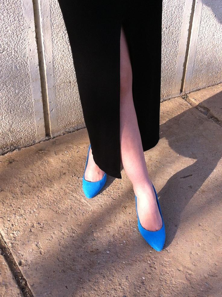 New post on my blog: www.stilistul112.ro  Blue shoes and crack dress!