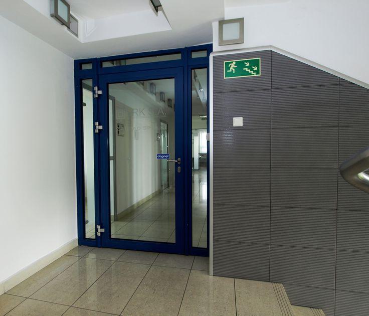 Drzwi przeciwpożarowe z naświetlami