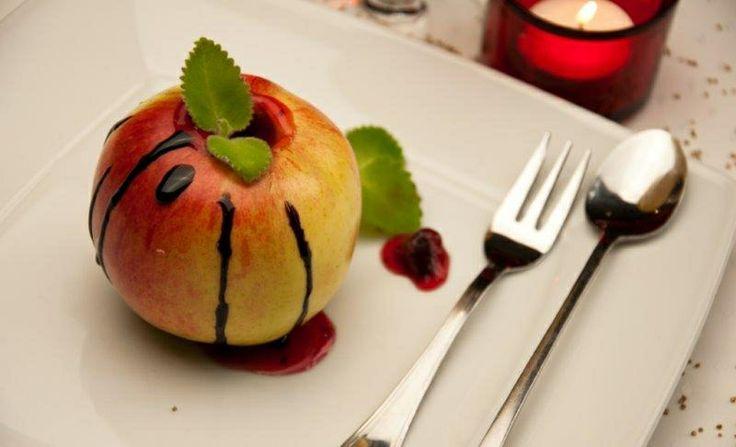 Zapiekane jabłko z żurawiną - kuchnia Manor House