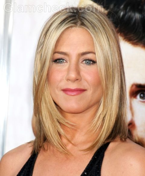 Jennifer Aniston shoulder length haircut..... Cute!