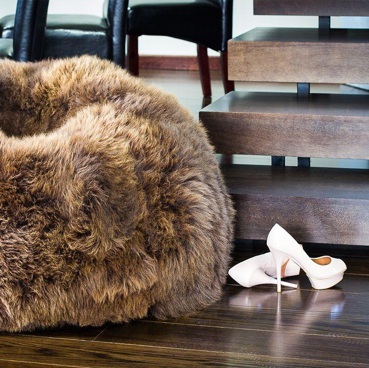 Nic lepiej nie podkreśli wykwintnego #wnętrza jak równie #elegancka i #stylowa #pufa #Sakwa #Premium