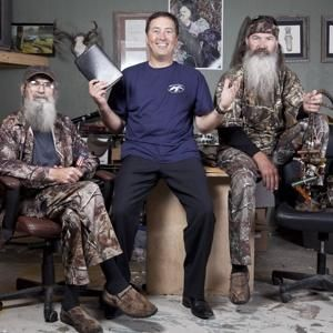 Alan Robertson joins his backwoods brethren on 'Duck Dynasty' - NYPOST.com. It's official folks! Also, will be opening a Louisiana-style diner called Willie's Duck Diner on Duck Commander premises for all you visitors that are interested. Si will also be coming out with a book called Si-cology in the near future. Phil also has another new book in the works along with a Duck Dynasty Devotional.