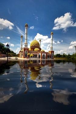 Perawang Mosque. Sungai Mandau, Indonesia.