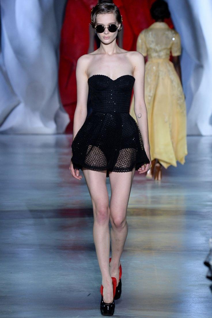 Ulyana Sergeenko | Коллекции осень-зима 2014/2015 | Париж | VOGUE