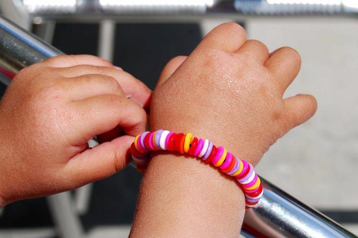 Taburettli: Bügelperlenarmband
