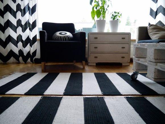 tapete de barbante croche na sala ambiente decorado retangulo preta e branca nórdico