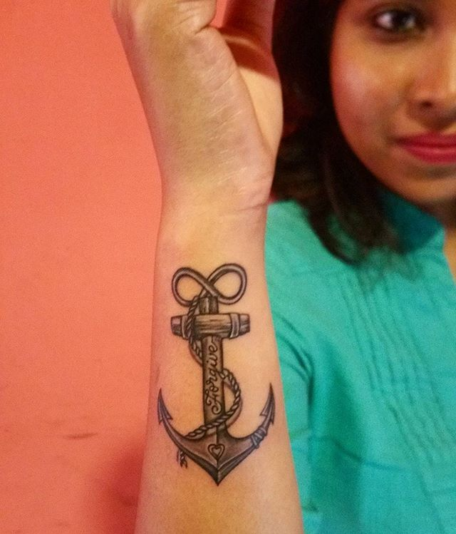Getting inked shouldn't always be just for fun! At times, an abstract message, makes more sense! Here's to journey, love, thorns, infinity and forgiveness🙏 . #inked #inkedgirls #message #tattoo #anchor #journey #love #infinity #wires #pain #forgiveness #evolve #sriparnasthoughts #bloggerlove #writer #nocliche #notforfashion #bangalore