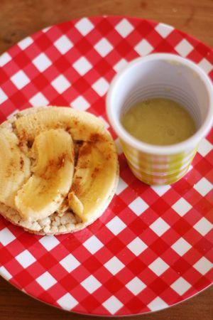 Rijstwafel met banaan & kaneel/appelshake | Baby & Dreumes Eetfestijn