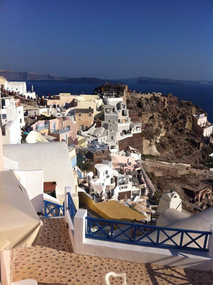#castle #Oia #Santorini #Greece #Travel | www.santoriniplus.net