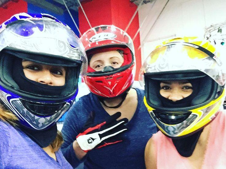 いいね!20件、コメント4件 ― Melissa Barajasさん(@barajasme)のInstagramアカウント: 「Need for Speed 🏁.... just cause I miss you guys #battles #usvets @martinez82a @mv0405 hope too see…」