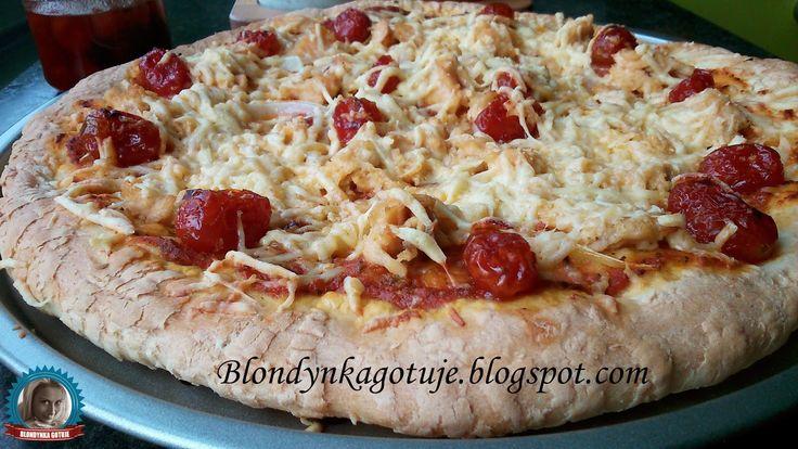 Blondynka Gotuje: Pizza z Łososiem i Ognistymi Pomidorkami