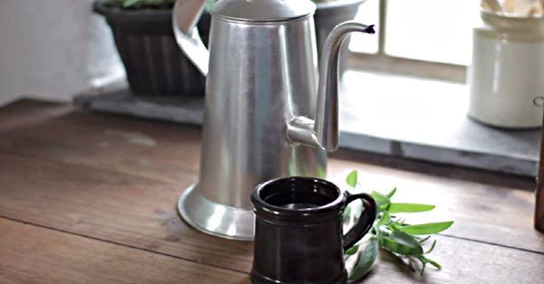 This Recipe For Herbal Tea Has Stood The Test Of Time (It's Nearly 300 Years Old) | Dusty Old Thing