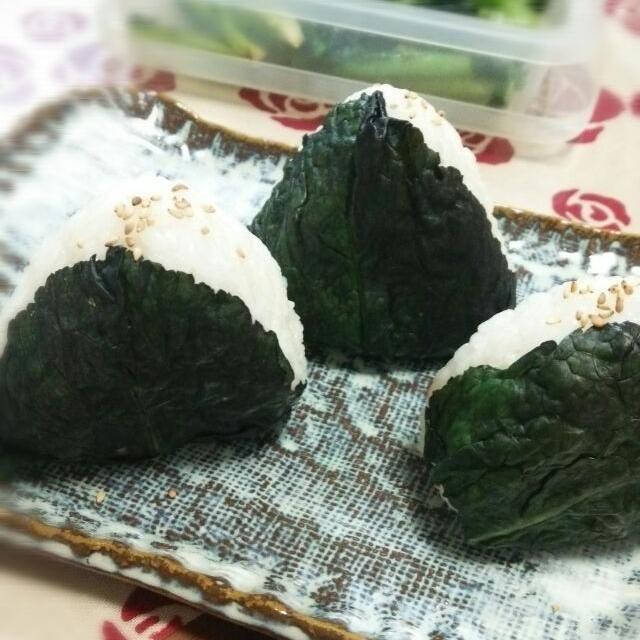 今日の朝食に、塩漬けした高菜で作りました - 14件のもぐもぐ - 高菜おにぎり by mocchiy