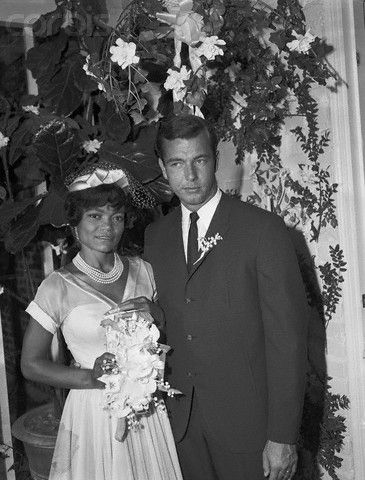Singer/Actress Eartha Kitt married John William McDonald, an associate of a real estate investment company, on June 6, 1960. They had one child, a daughter named Kitt McDonald, born on November 26, 1961. They divorced in 1965.
