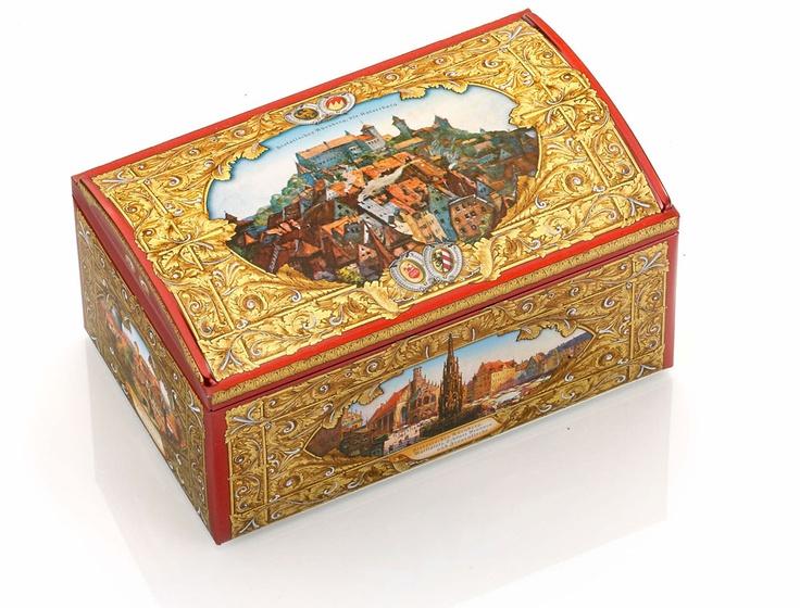 Lebkuchen Schmidt | Historische Nürnberg-Truhe | Original Nürnberger Lebkuchen online kaufen