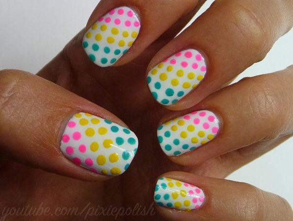 ♥ ♥ ♥ uñas decoradas con puntos multicolores