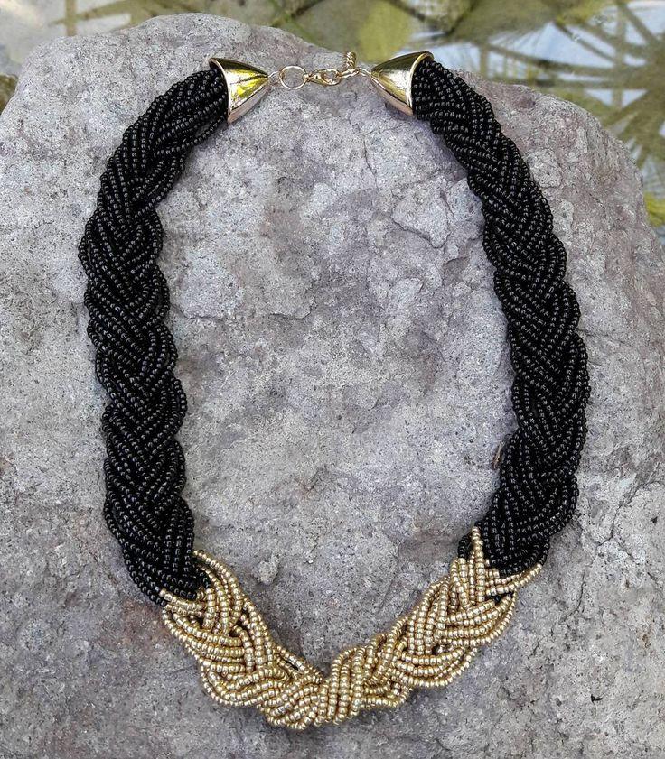 En beğenilen kolyelerimizden#kolye #takı #jewelry #jewelrydesign #aksesuar #bijuteri #moda #trend #tarz #küpe #necklace #accessory #accessorize #taki #yenisezon #kolyebileklik #aksesuaraskina #siyahkolye #siyah