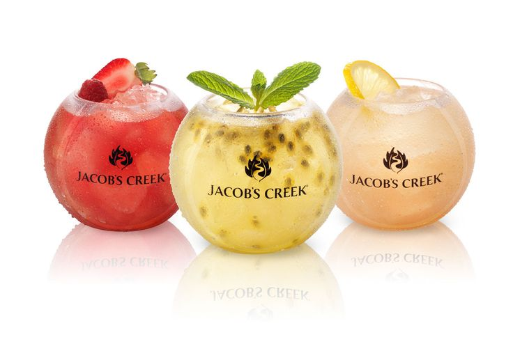 To leverage Jacobs Creek's sponsorship of The Australian Open, I designed a unique tennis ball glass to showcase their new range of Wine Cooler Cocktails & art directed the photo shoot.  The cocktails are served exclusively on premise with promotional coasters encouraging consumers to enter online to win a trip to a Grand Slam of their choice.