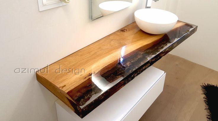 top bagno in legno e resina. sezione di rovere annegata in resina trasparente realizzata custom. #azimut resine #azimutdesign