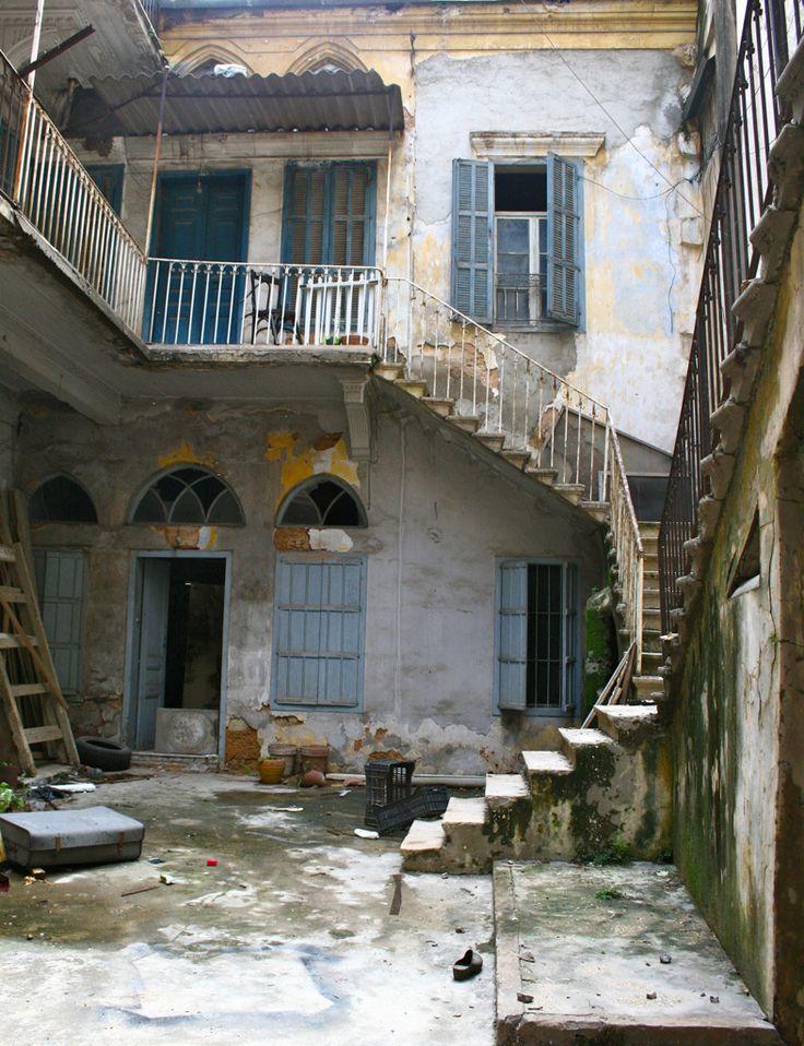 Beirut . ArchitectureLibanaise typique . Maison a deux