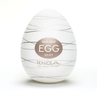 Tenga Egg Silky fra Tenga - Sexlegetøj leveret for blot 29 kr. - 4ushop.dk - TENGA - betyder elegant, raffineret, yndefuldt, pænt på japansk - beskriver Tenga produkterne perfekt. Tenga produkterne er stilfulde, inovative og sjove. TENGA giver en verden af ekstraordinære seksuelle oplevelser gennem top ingeniørkunst og fineste kvalitet materialer. TENGA produkter er det bedst sælgende sexlegetøj til mænd i Japan, og dens popularitet er øget hurtigt i resten af verden.