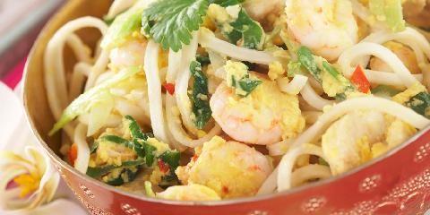Pad thai - stekte nudler - Dette er en av Thailands mest berømte retter.