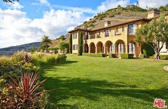 27530 Calicut Road, Malibu, CA 90265 (MLS # 15892755)   Buy Malibu houses near Calicut road at Malibuliving.org! Villa Cascata has approx 14,000 sf of interior space. To know more about this villa visit http://malibuliving.org/idx/mls-15892755-27530_calicut_road_malibu_ca_90265