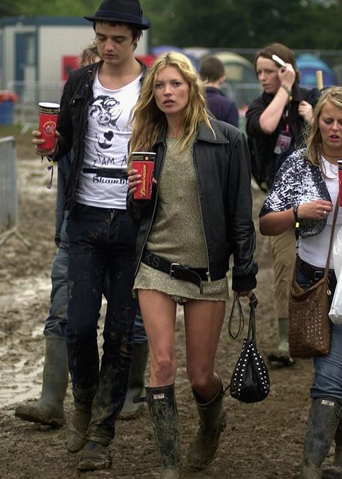 Kate Moss: Her best fashion looks - Elle Canada, Back in 2005, Moss was rocking the music-fest scene in true model style: mini-mini dress, leather jacket and a pair of muddy Hunter boots (before they were cool, of course).