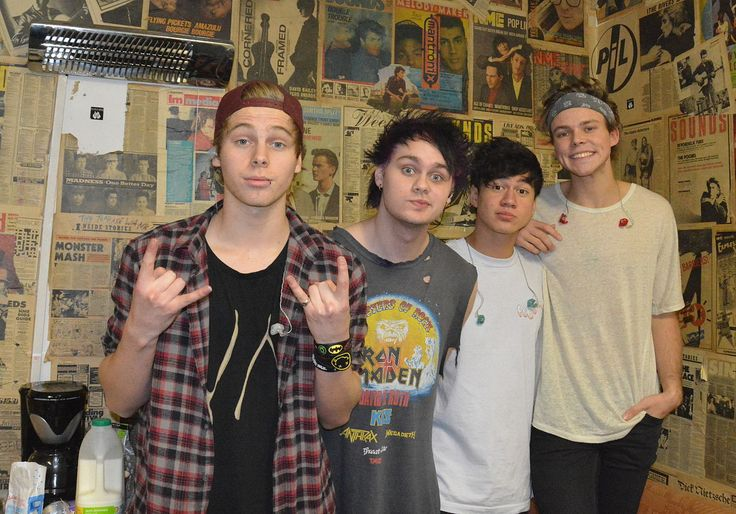 5sosuktour2014 (cropped) - 2010s in fashion - Wikipedia, the free encyclopedia
