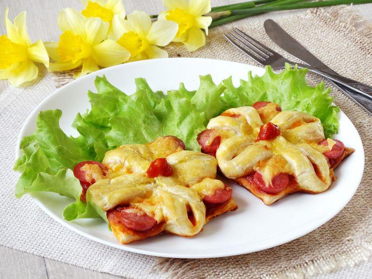 Рецепт мини пиццы в домашних условиях в форме цветочка. Мини пицца рецепт с фото для детей - очень красиво на праздничный стол для детворы