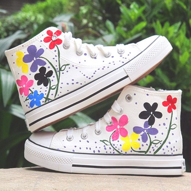 painted sneakers ideas | DIY shoes ideas - Hand painted sneakers with black kitten silhouettes