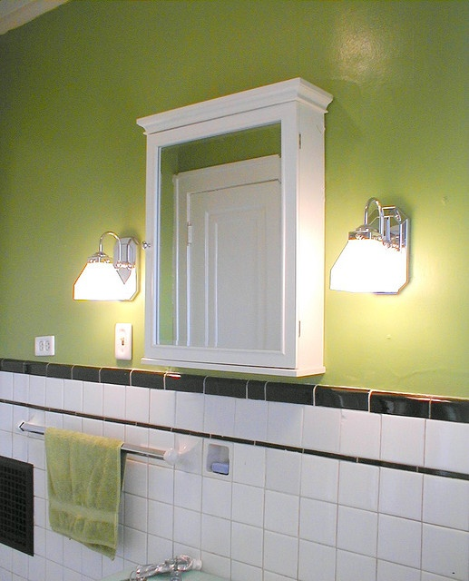 17 best images about 1920s bungalow bathroom remodel on for Bungalow bathroom designs