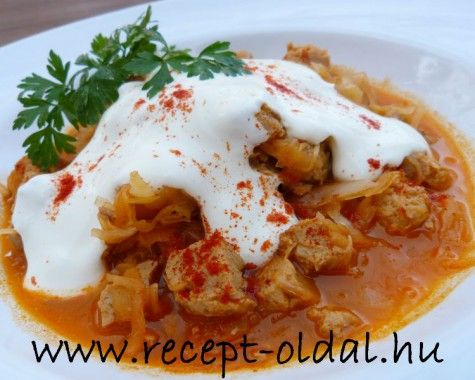 Székelykáposzta (sauerkraut with pork)